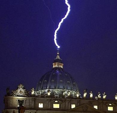 lightning_vatican