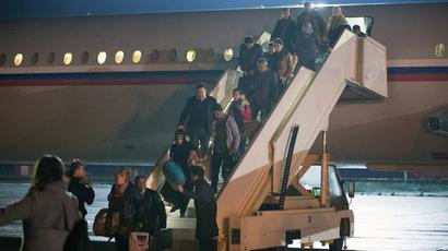 russia-planes-evacuate-yemen.n