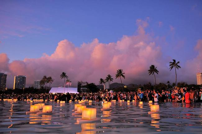 lantern-floating-ceremony-may-events-hawaii